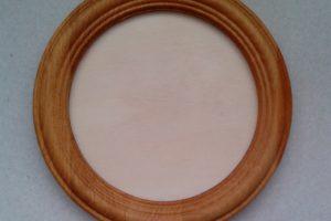 резная деревянная рамка для вышивки